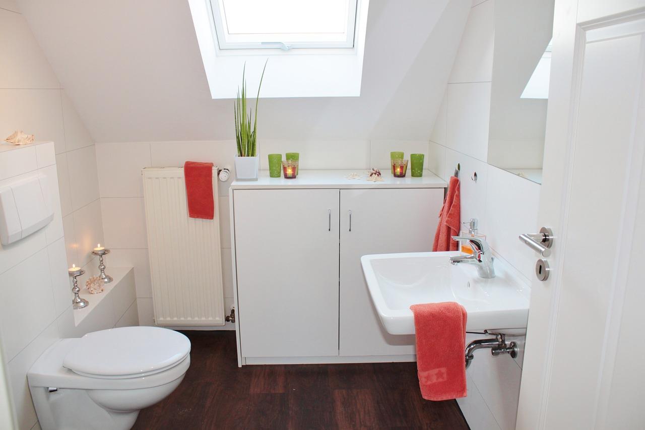 Co warto wiedzieć o dyspenserach mydła?