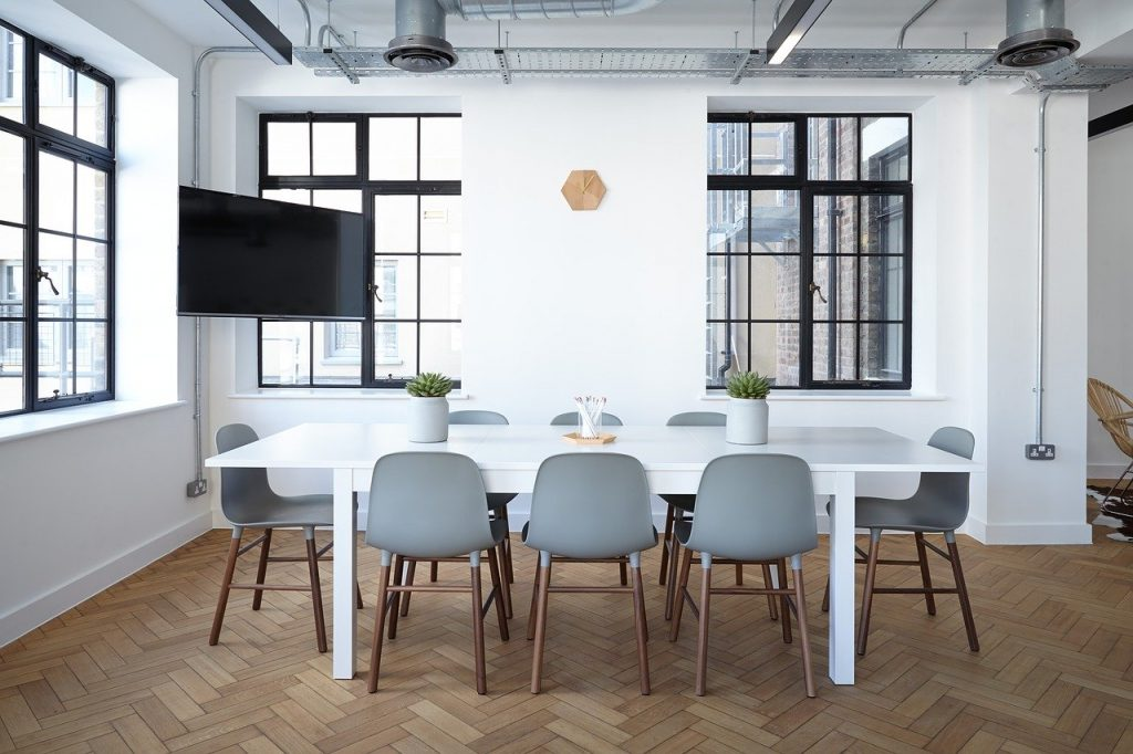 Jak wybrać meble do biura?