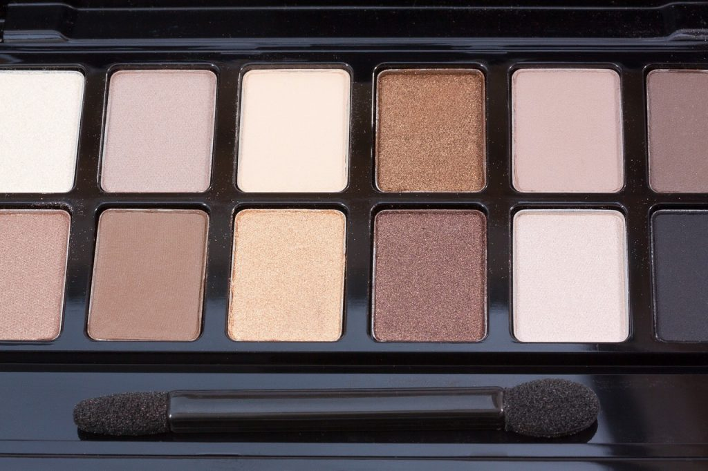 Co warto wiedzieć o kosmetykach mineralnych?