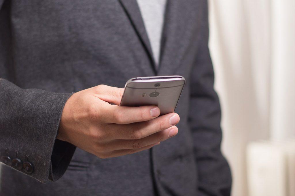 Dlaczego warto zainstalować w program e-urlopy?